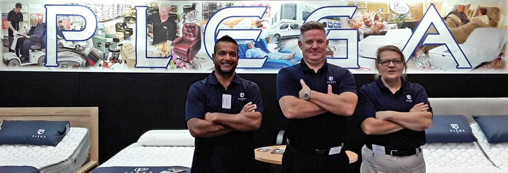 Job vacancies - happy sales professionals from Plega.
